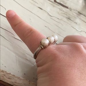 Vintage Jewelry - Sterling silver pearl ring